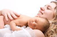 Dar leche materna hasta los dos años salvaría 1,5 millones de vidas anuales, según la OMS