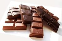 Por qué es bueno comer chocolate negro
