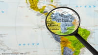 Siri reconoce a Maduro y a Guaidó como presidentes