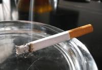 Compartir casa con fumadores, tan nocivo como vivir en una ciudad muy contaminada
