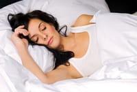 Alimentos y nutrientes que ayudan a conciliar el sueño