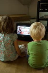 Muchos niños lesionados por la caída de televisores