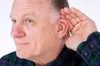 La perdida de audición puede acelerar la disminución del tejido cerebral