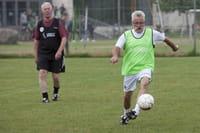¿Aficionarse a jugar fútbol a los setenta años es bueno para la salud?