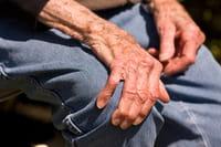 Una mutación genética aumenta el riesgo de Parkinson vinculado a pesticidas