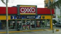 Posible alianza entre Amazon y las tiendas Oxxo