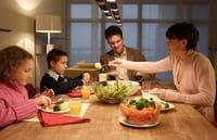 Cenar en familia es bueno para la salud mental del adolescente