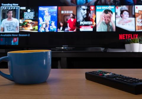 Cómo cambiar el tamaño y color de los subtítulos de Netflix