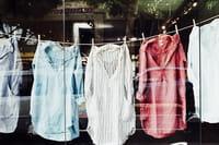 Por qué lavar la ropa nueva antes de usarla