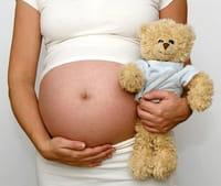 Inducir el parto podría aumentar el riesgo de autismo